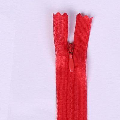 Skrytý zip červené barvy 45cm I-3W0-45-148