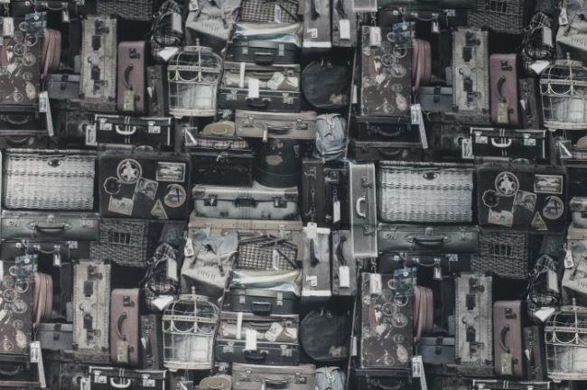 Dekorační látka s černobílým digitálním potiskem cestovních zavazadel 1058/069