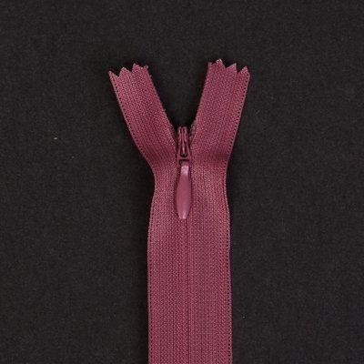 Skrytý zip v tmavém odstínu starorůžové 18cm I-3W0-18/419