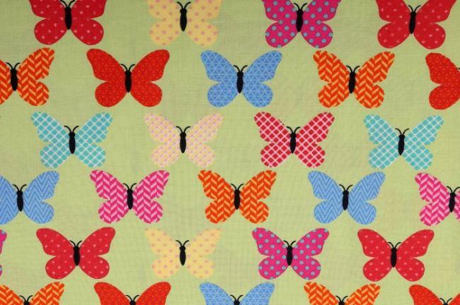 Bavlněná látka s potiskem barevných motýlů 124.900/3003